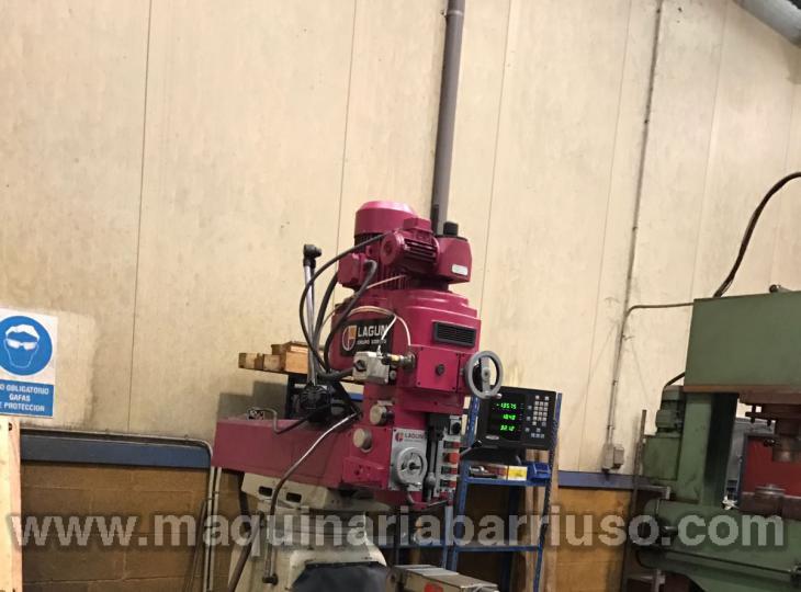 Fresadora LAGUN Mod. FTV-4 equipada con mordaza y plato