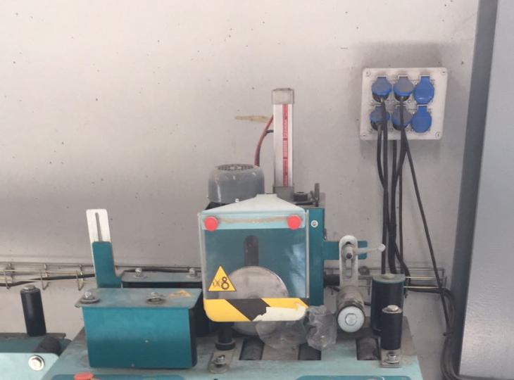 Insertadora de gomas aluminio R&P Mod. AJB6000