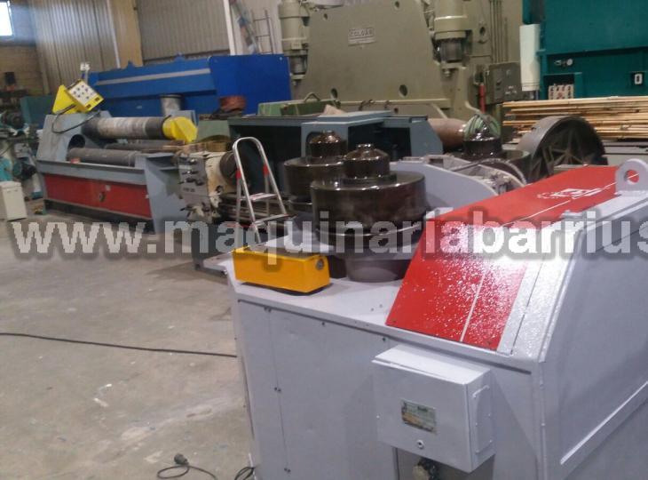 Curvadora de perfiles CASANOVA  FC-04 eje 150x150 mm.