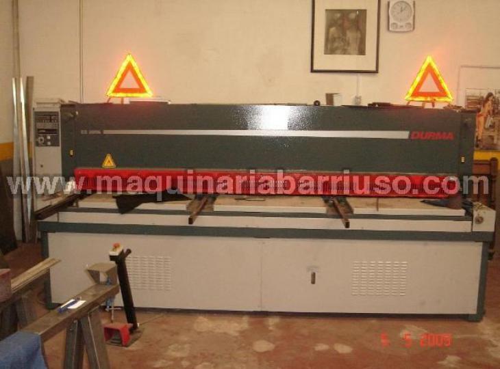 Cizalla DURMA modelo  ES 3006 de 3000 mm. chapa de 6 mm.