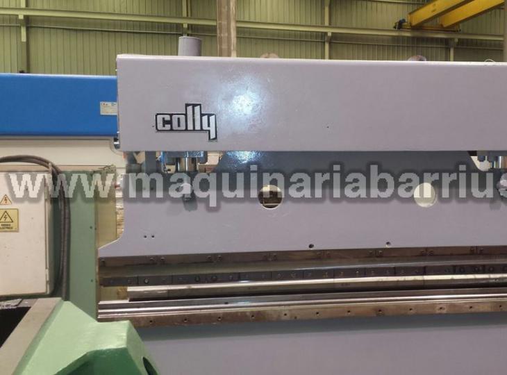 Plegadora Ajial- Colly  de 3050 x 90 Tn . Máquina en perfecto estado