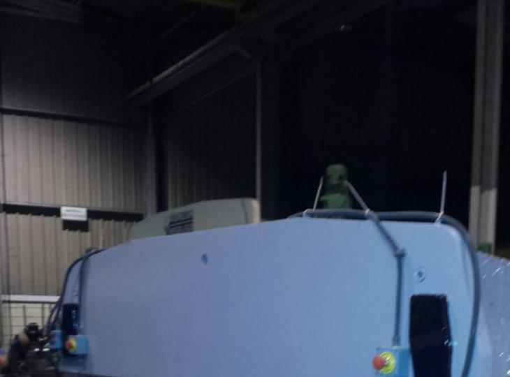 Plegadora MEBUSA de 2500 x 50 Tn con sus útiles