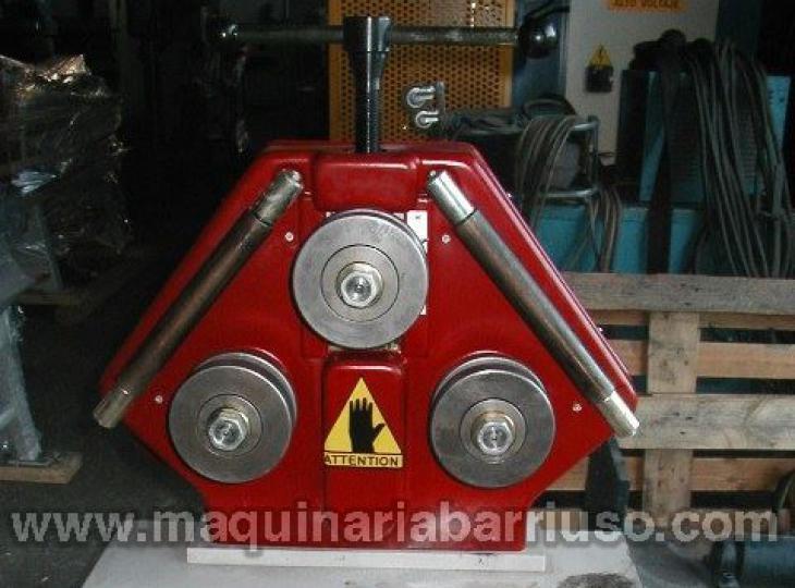 Curvadora de tubos y perfiles mod. APK-30
