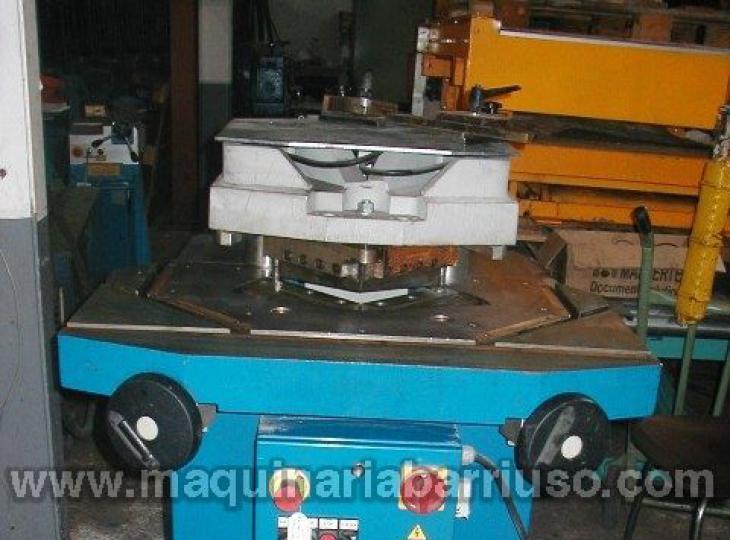 Escantonadora GECAM hidraulica de angulo variable 200x200x4