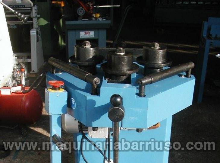 Curvadora de tubos electrica FTX-30HV.