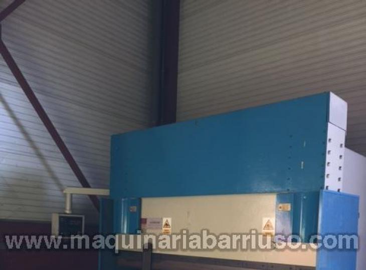 Plegadora DURMA  HAP 30300 de 3000 x 300 Tn