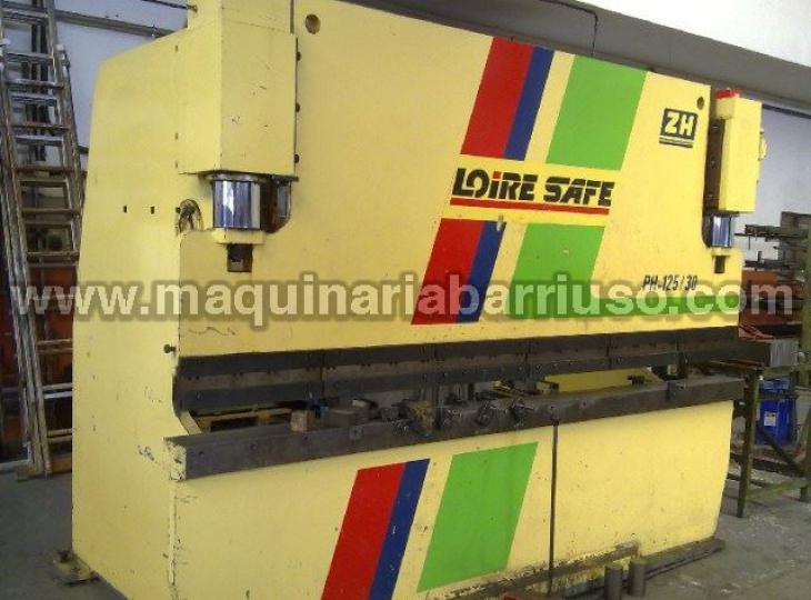 Hydraulic LOIRE press brake of  3 x 125 Tn.