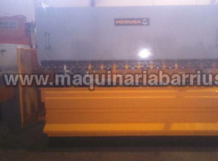 Plegadora MEBUSA   de 3050 x 90 Tn equipada con amarre hidráulico